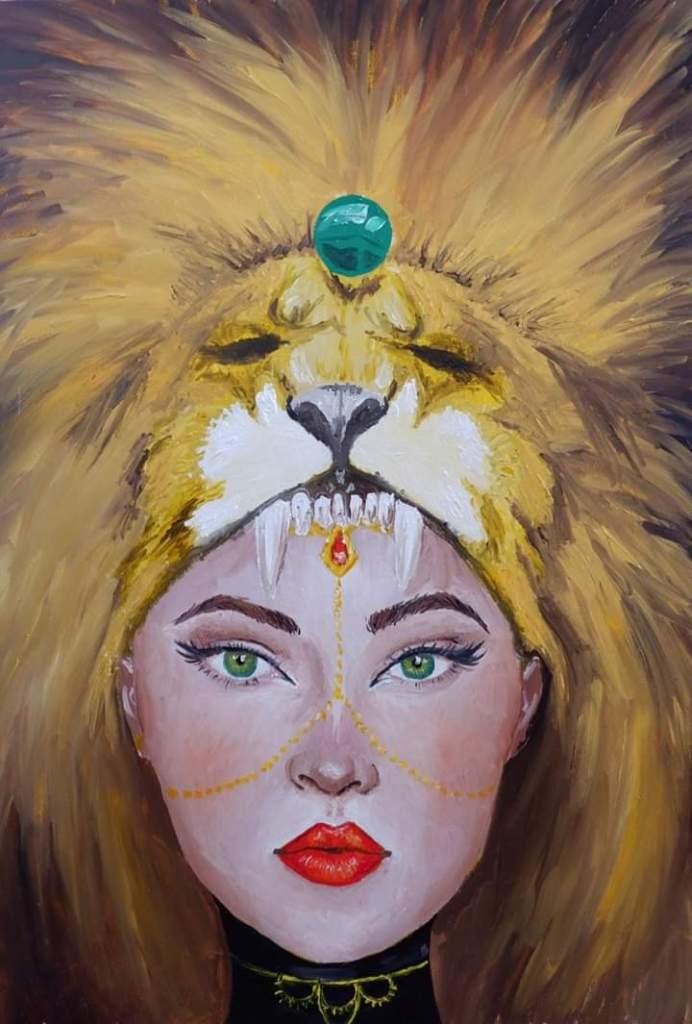 Ilustración del libro en el que se ve una mujer mirandote fijamente con tocado de cabeza de león