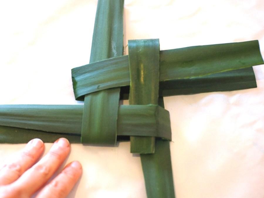 El enlazado de la cruz de Brígida, relacionado con La candelaria