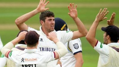 Somerset takes charge on day two