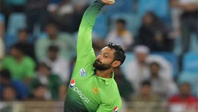 Hafeez suspended from bowling in ECB tournaments 9