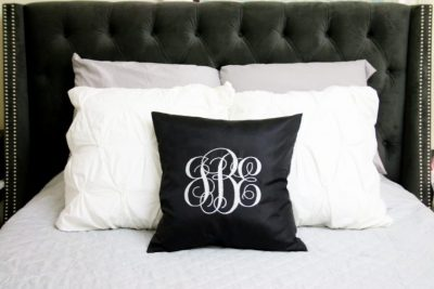 Easily creat monogrammed pillows with your Cricut maker. Perfect gift for college students and newlyweds.