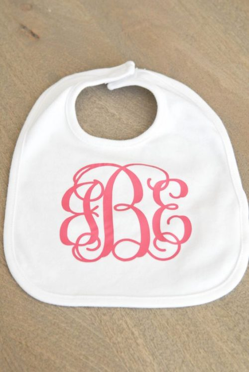 Monogrammed Bib- Perfect gift to make for friends and family who has little ones.