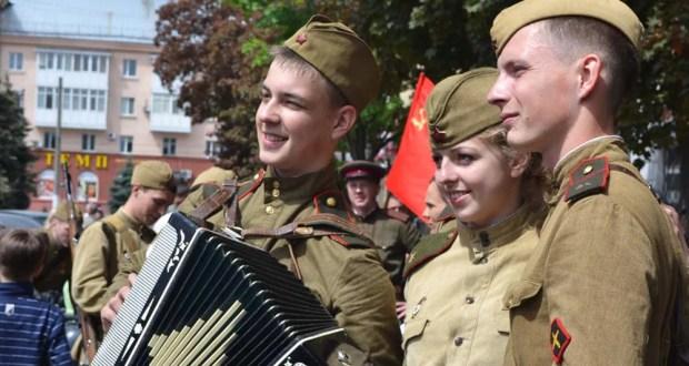 Флешмоб «Мы память будем бережно хранить»: в Симферополе исполнят песни военных лет