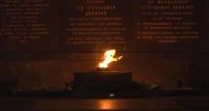 Севастополь. День памяти и скорби: бумажные кораблики мечты...