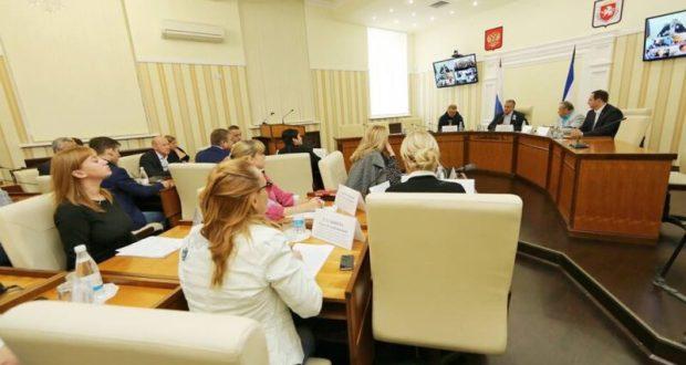 Сергей Аксёнов считает, что не все чиновники справляются с обязанностями