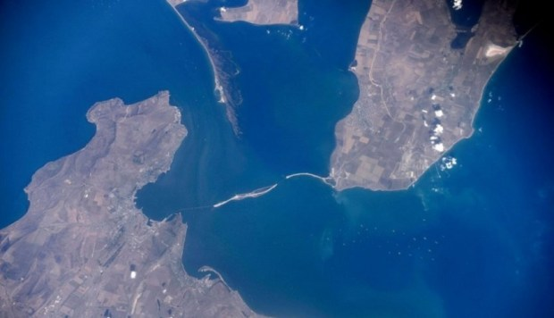 Керченский мост - фото из Космоса