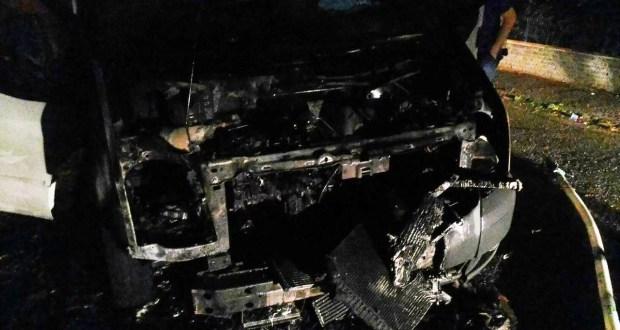 Ночью в Алупке сгорел микроавтобус