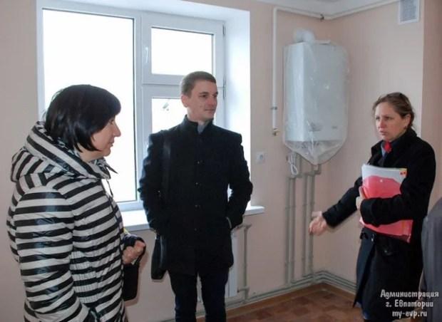 Дети-сироты Евпатории получили квартиры