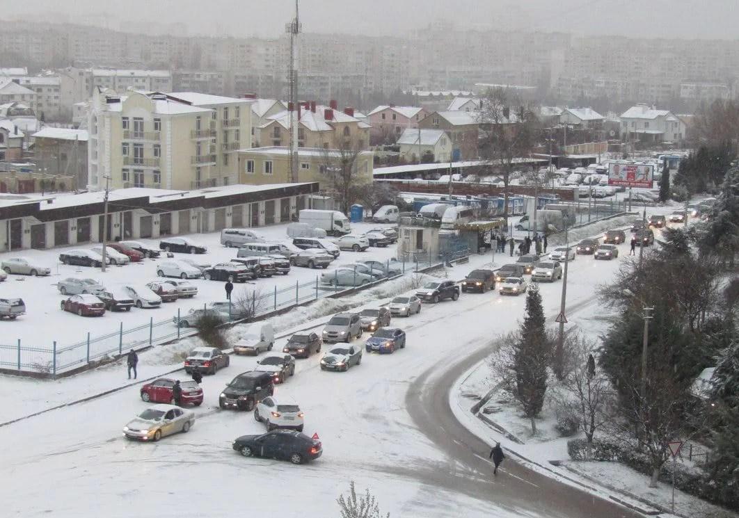 В Севастополе транспортный коллапс... зима пришла