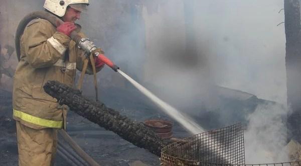 Пожар в крымском селе Кирово. Спасена женщина