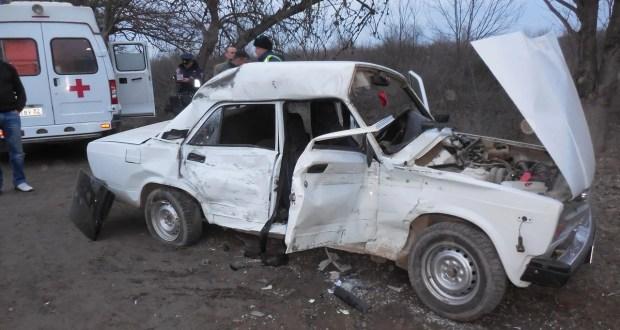 """""""КРЫМ-СПАС"""": пострадавших в ДТП под Бахчисараем из авто вырезали. На месте работали психологи"""
