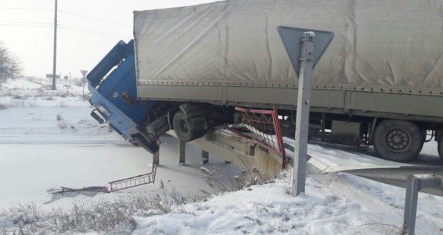 Что такое везение. ДТП с фурой в Советском районе Крыма 31 января