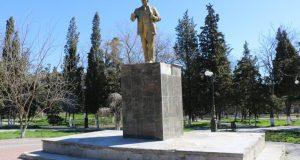 В Судаке восстановили памятник Ленину