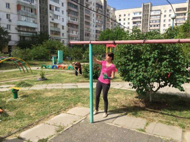 """В Евпатории завершается марафон по благоустройству """"Чистый двор - уютный двор"""""""