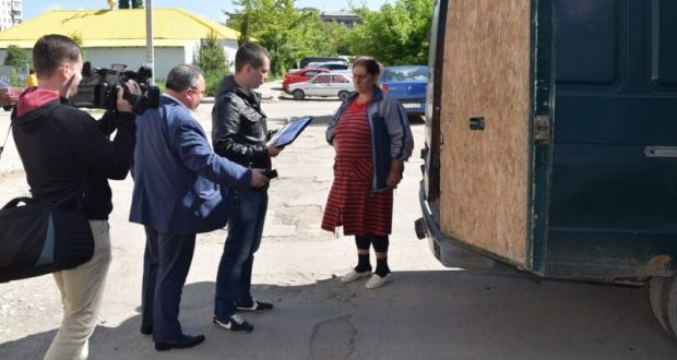 20 иностранцев уже выдворены из Симферополя на родину, в Узбекистан