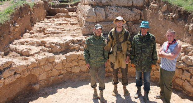 Археологи музея-заповедника «Херсонес Таврический» исследуют античную усадьбу