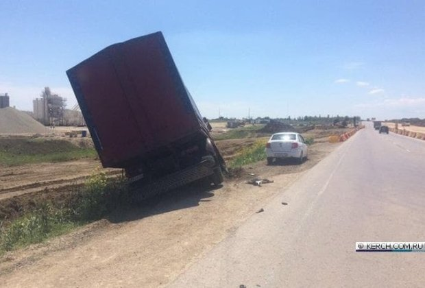 Очередное ДТП под Керчью и снова с участием грузовика
