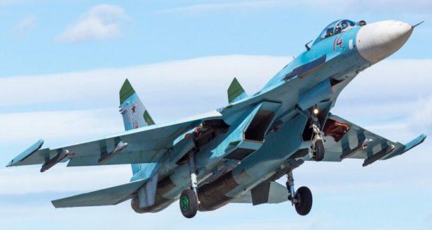 Снова-здорово: над Черным морем наш истребитель Су-27 пролетел вблизи от самолета-разведчика США