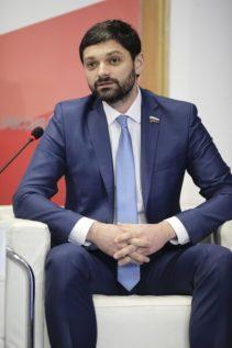 """Депутат Госдумы Андрей Козенко считает, что чиновники """"тормозят"""" работу депутатов и сенаторов"""