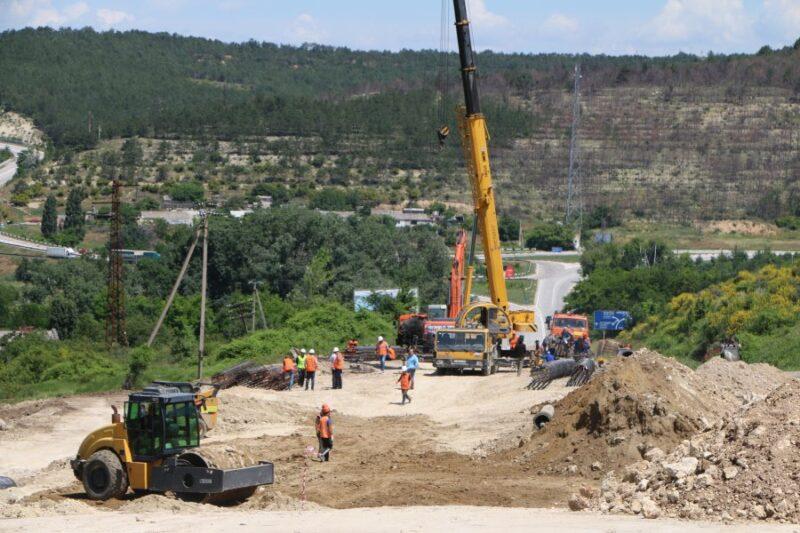 Ремонт разрушенной оползнем дороги Севастополь-Симферополь затянется до25июля
