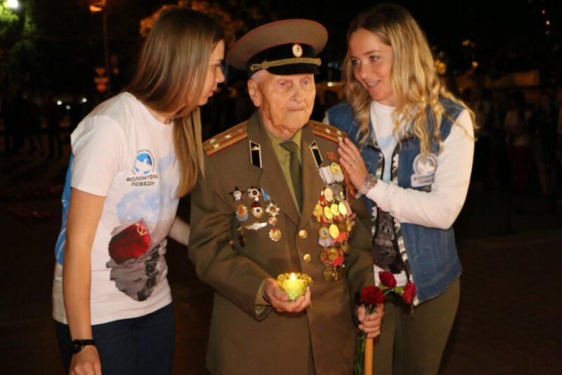 ВСевастополе зажгли «Свечу памяти»