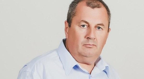 Крымский депутат Степан Кискин зовёт на помощь Президента. Причина - парковка в аэропорт