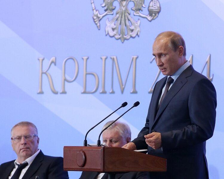 В конце недели Владимир Путин прилетит в Крым