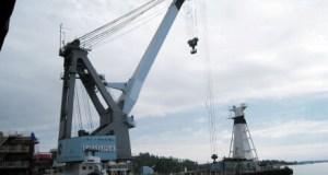 В Севастополе собираются построить плавкран грузоподъемностью 700 тонн