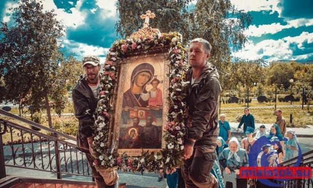 26 августа в Керчь прибудет автомобильный Крестный ход