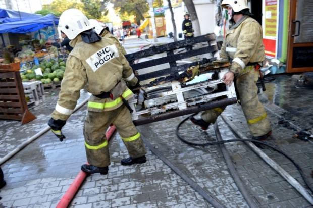 Пожар в Севастополе: горели торговые павильоне в районе Малахова кургана