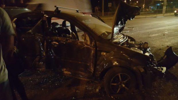 Авария в Симферополе: вечер, скорость, встречка, ограждение... Машины больше нет