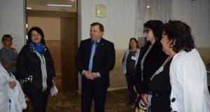Игорь Лукашев посетил общеобразовательные учреждения Симферополя