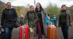 В Крым приехали дети, пострадавшие при пожаре в одном из микрорайонов Ростова