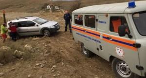 В районе мыса Меганом спасатели вытаскивали «Ладу» из бездорожья
