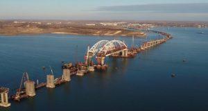 Крымский мост обитателям Чёрного моря - не помеха