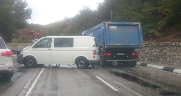 ДТП в Крыму: 30 октября. И был удивительный день - непогода водителей дисциплинировала