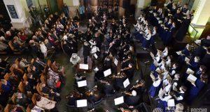 На железнодорожном вокзале Симферополя прошел благотворительный симфонический концерт