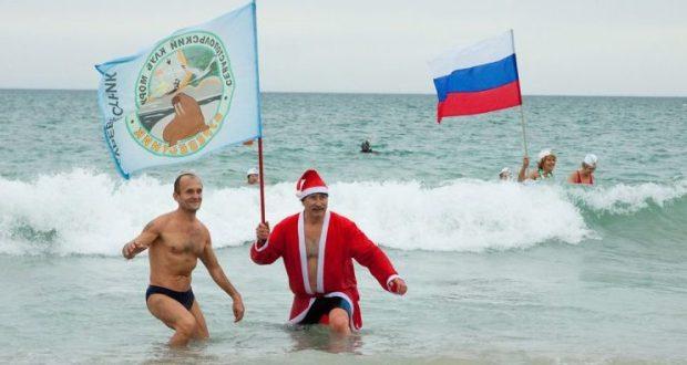 """7 января в Евпатории - рождественский слёт """"моржей""""!"""