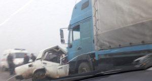 "Смертельное ДТП на дороге ""Керчь - Феодосия"". ВАЗ попал под грузовик"