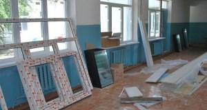 Глава Госсовета РК Владимир Константинов: во всех школах Крыма заменят окна