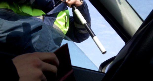 На трассе «Ялта - Севастополь» - облава на автовладельцев, не заплативших транспортный налог