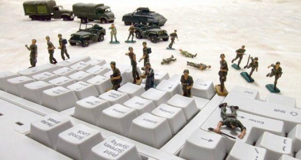 """Запад применяет новые механизмы в """"информационной войне"""" против Крыма"""