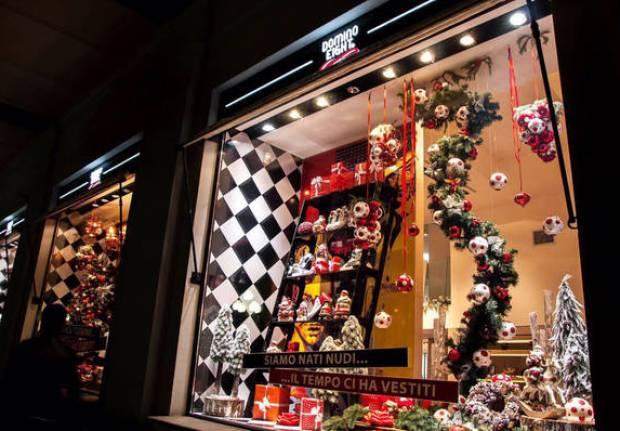 В Ялте подвели итоги конкурса на лучшее оформление витрин к Новому году