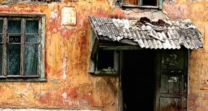 Около тысячи севастопольцев нуждаются в расселении из ветхого и аварийного жилья