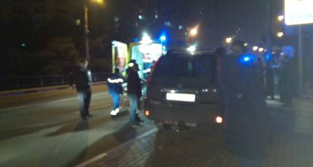 В Севастополе джип въехал в остановку с людьми