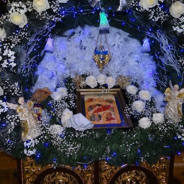 Митрополит Лазарь возглавил богослужение в Александро-Невском кафедральном соборе Симферополя