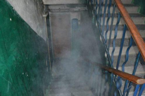 ЧП в Симферополе: поздно вечером все жители девятиэтажки выбежали на мороз и домой идти не хотели