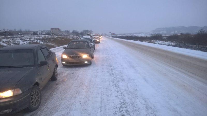 Коммунальщики проиграли Зиме с разгромным счетом. Реальность на дорогах Крыма: пробки и ДТП