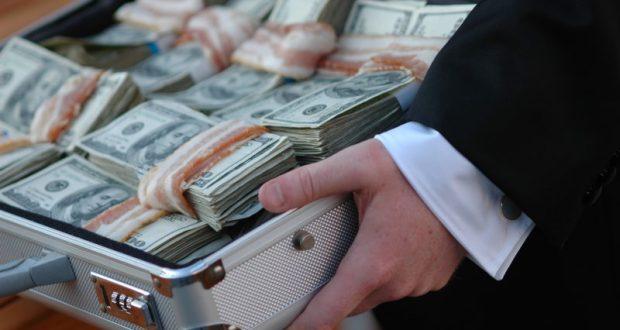 Подсчитана общая сумма взяток, что предлагали крымским чиновникам в прошлом году. Шок