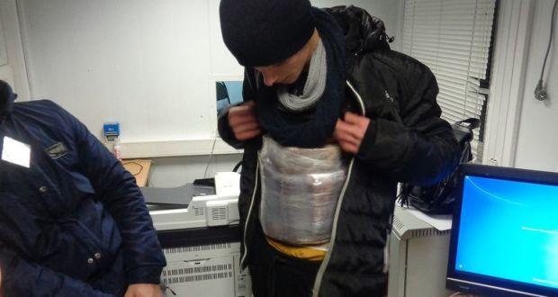 Обвязался колбасами… и в Крым